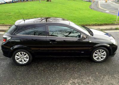 Vauxhall_Astra_black_1